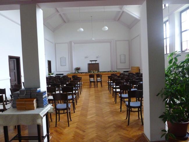 vnitřní výbava kostela ČCE vBrandýse nad Orlicí