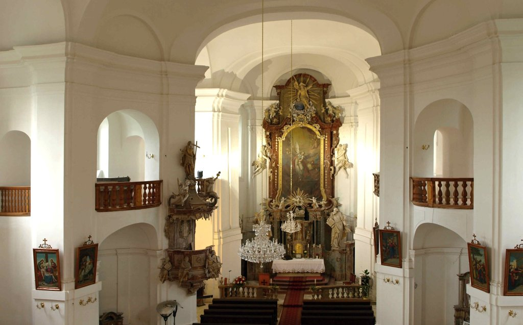 Interiér kostela 2018