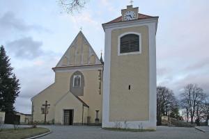 kostel sv. Mikuláše.jpg