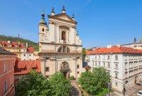 kostel Panny Marie Vítězné a sv. Antonína Paduánského (Pražské Jezulátko)