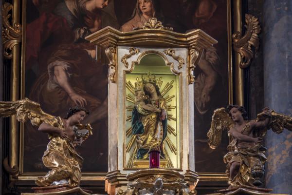 Kostel sv. Michaela a Panny Marie Věrné / Interiér - Panna Maria Věrná