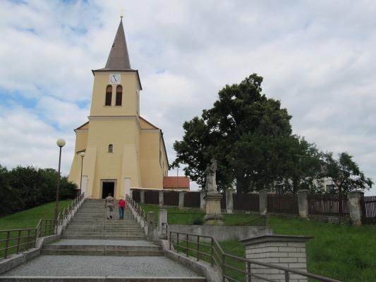 Boršice, kostel sv. Václava / Boršice, kostel sv. Václava