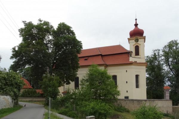 Jince, kostel sv. Mikuláše (foto Jitka Kadeřábková / Autor fotografie: Jitka Kadeřábková
