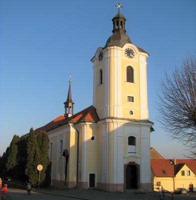 Divišov, kostel sv. Bartoloměje.jpg