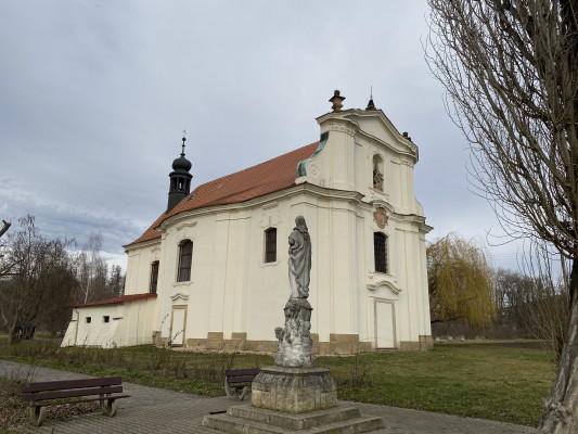 Křešice kostel Navštívení Panny Marie