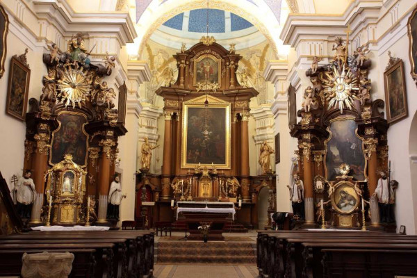 Kostel sv. Anny - hlavní oltář / foto interiéru