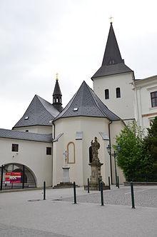 Kostel_povýšení_svatého_Kříže_3.JPG