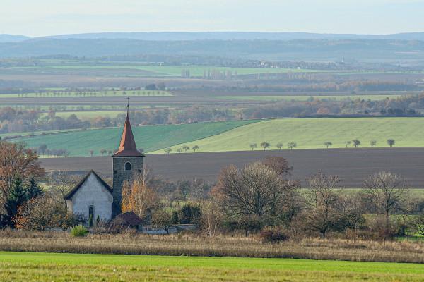 kostel Vysoká / kostel v krajině