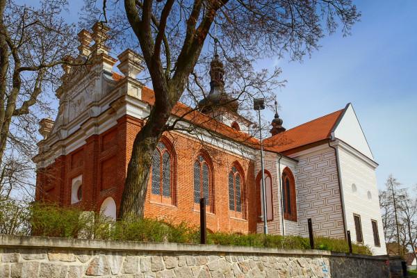 Kralovice, kostel sv. Petra a Pavla