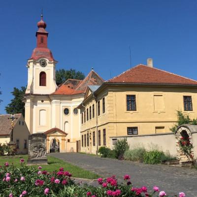 kostel sv. Vojtech Pocaply.JPG