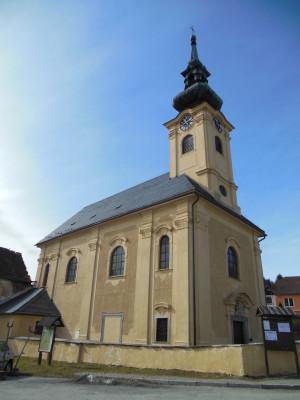 kostel Panny Marie Bolestné a sv. Jana Nepomuckého / Východní strana