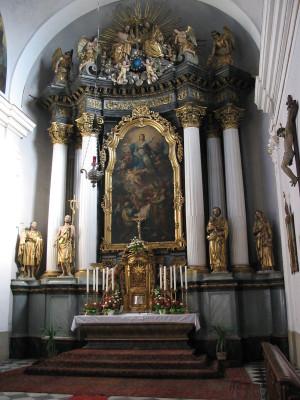 Kostel Nanebevzetí Panny Marie / oltář