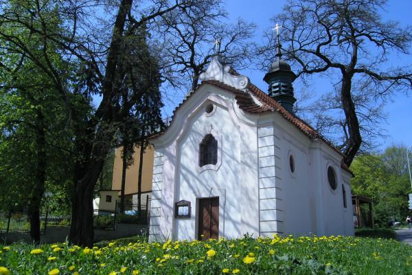 kaple Nanebevzetí Panny Marie, Klamovka.JPG
