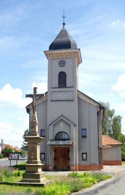 Babice, kostel sv. Cyrila a Metoděje / Babice, kostel sv. Cyrila a Metoděje