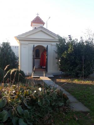 Kaple sv. Bartoloměje - Praha 4 - Hodkovičky / Opravená kaple poblíž zastávky MHD Černý Kůň / Autor fotografie: I.Bažant