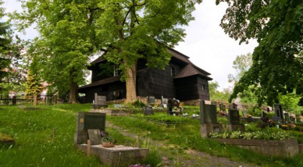 Velká Lhota u Valašského Meziříčí / evangelický toleranční dřevěný kostel