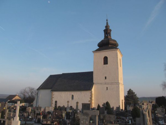 Kvasice, hřbitovní kostel Nanebevzetí Panny Marie / Kvasice, hřbitovní kostel Nanebevzetí Panny Marie
