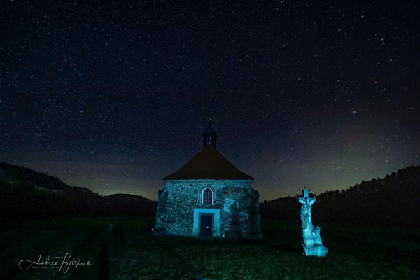 Kostel v noci... / Kostel v noci...