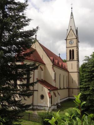 Kostel Šumburk léto 2018