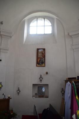 Kaple 4 / Interiér - boční stěna