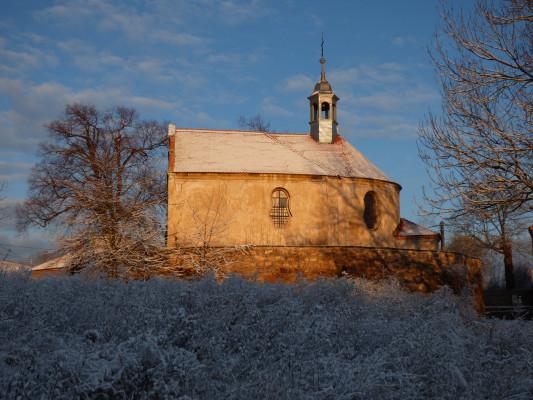 Kostel Stětí Jana Křtitele ve Cvrčovicích