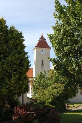 Starovice / Kostel sv. Jiří a Mikuláše