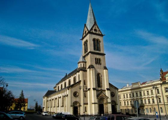 kostel Nenebevzetí Panny Marie Kladno