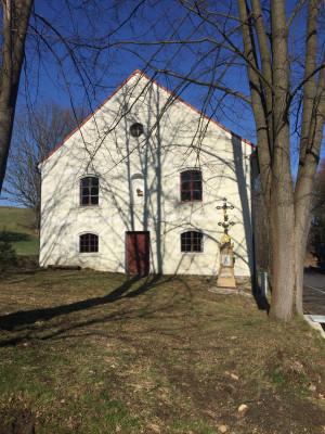 Kaple Panny Marie Sněžné v Horní Řasnici-Srbské / Kaple byla postavena v roce 1863 Josefem a Magdalénou Leglerovými. Prošla několika přestavbami, naposledy začátkem 20. stol.