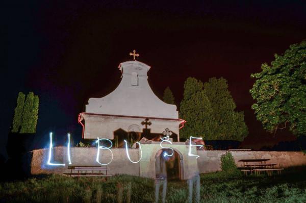 lightpainting / malování světlem při Noci kostelů u sv. Jiří v Libušíně