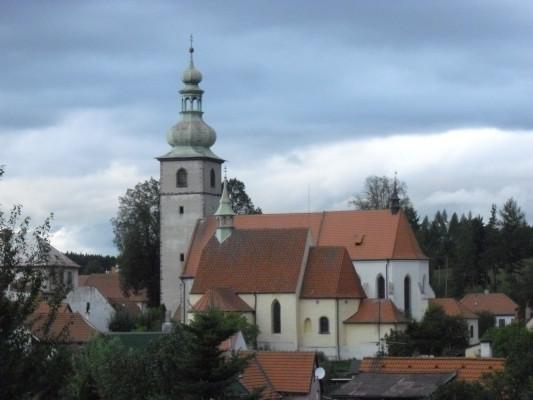 kostel sv. Petra a Pavla / Pohled z jihu