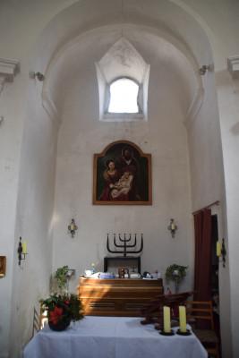 Kaple 3 / Interiér - oltář