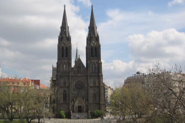 Praha 2 - Vinohrady, kostel sv. Ludmily, web.JPG
