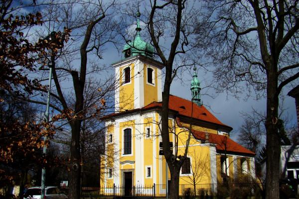 Praha-Vinoř, kostel Povýšení sv. Kříže