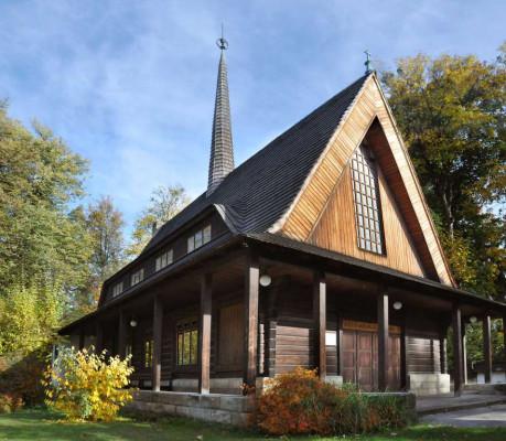 Evangelický kostel v Rožnově p. R. / Dřevěný evangelický kostel v Rožnově pod Radhoštěm