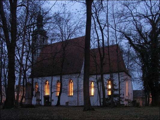 kostel sv. Prokopa  / kostel sv. Prokopa veřer