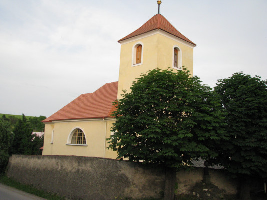 Kostel sv. Anny ve Zdebuzevsi