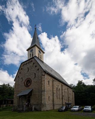 Staré Hamry, kostel sv. Jindřicha