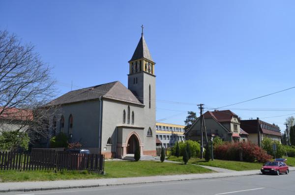 Evangelický kostel v Šenově / kostel postaven v roce 1937 / Autor fotografie: Nela