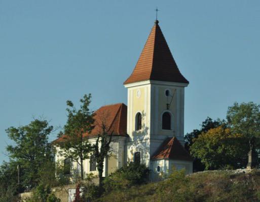 Praha 5 - Hlubočepy, kostel sv. Filipa a Jakuba
