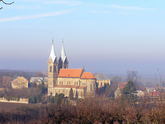 Grunta, kostel Nanebevzetí Panny Marie