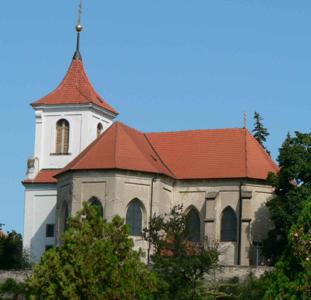 Sadská, kostel sv. Apolináře