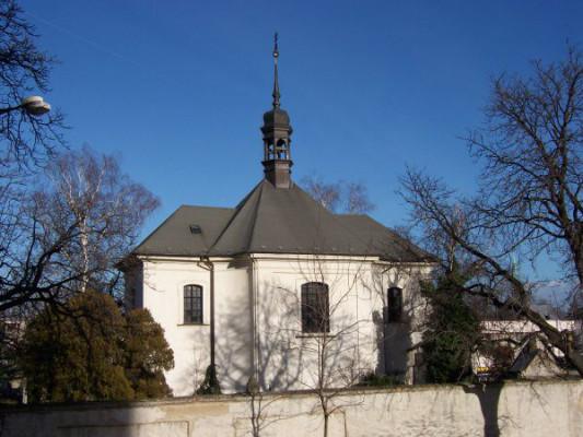 Louny, kostel Nejsvětější Trojice a Čtrnácti sv. pomocníků, hřbitov