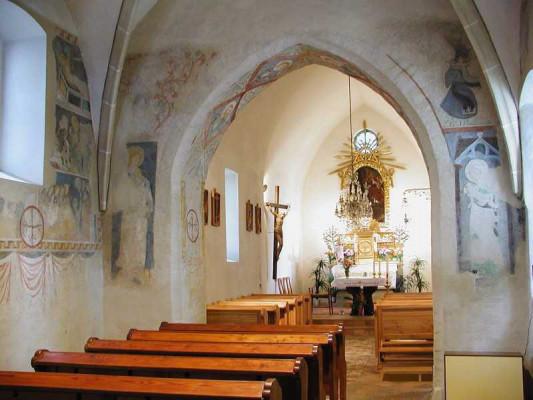 Nebovidy, kostel sv. Kříže