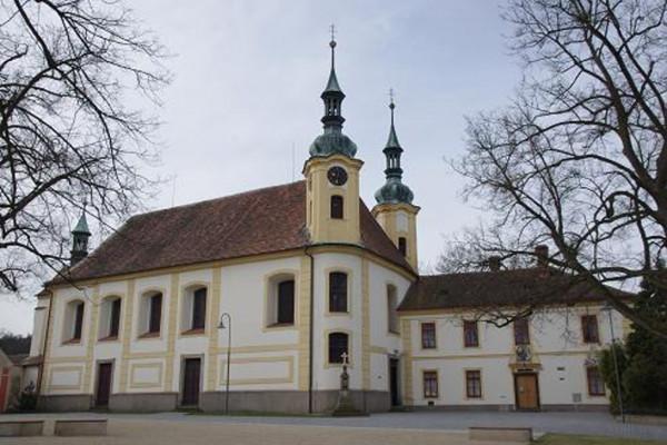 Opočno, kostel Nejsvětější Trojice