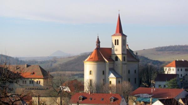 Žitenice, kostel sv. Petra a Pavla
