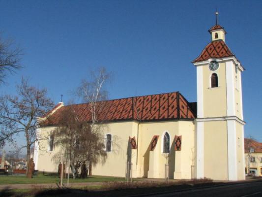 Kunovice, kostel sv. Petra a Pavla