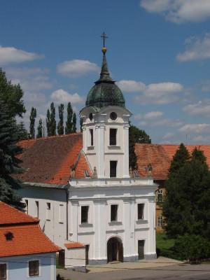 Moravec, kostel Povýšení svatého Kříže