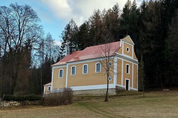 Luže-Doly, kostel Zvěstování Panně Marii, Janovičky